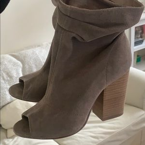 Chinese laundry peep toe heels with slouchy top